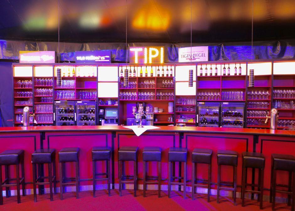 Bar und Tresen im Saal des Tipi am Kanzleramt