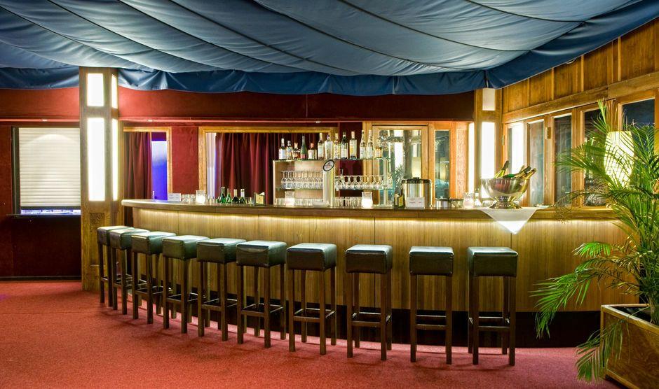 Getränkebar im Foyer des Tipi am Kanzleramt