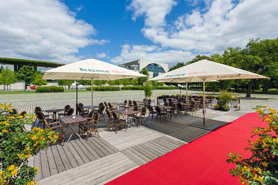 Die Event Location bietet einen großen Biergarten für jede Art von Sommerfest